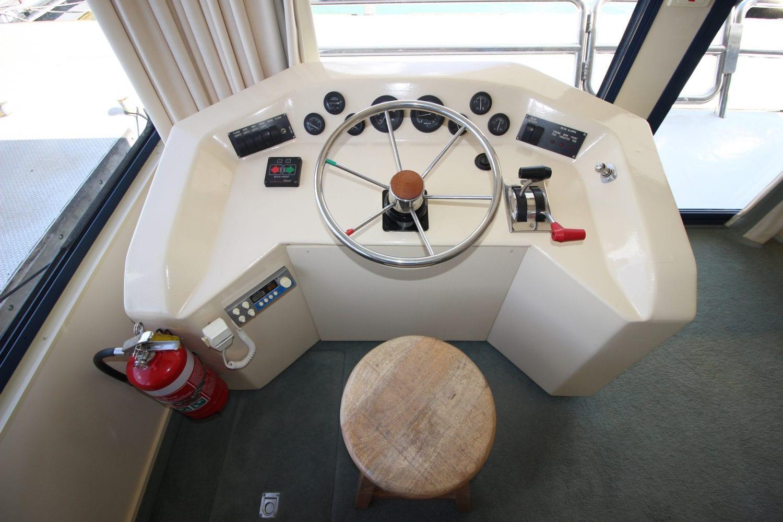 Polaris House Boat Sales Lake Eildon